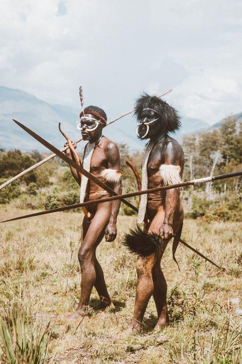 ginklas, žmonės, karys, suaugęs, vyras, kariuomenė, karas, grupuoti kartu, daug, tribal, papua, westpapua, berniukai, vyrai, kultūra, šokis, ietis, rodyklė, meilė, kalnai, Wamena, Indonezija, be honoraro mokesčio