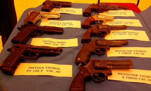 weapons pistols police