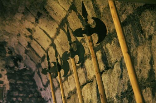 weapons hall hall bard middle ages