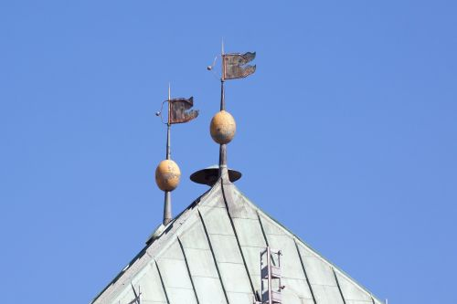 weather vanes siren roof