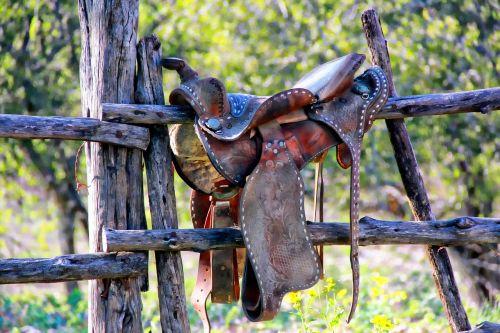 weathered saddle dude ranch texas