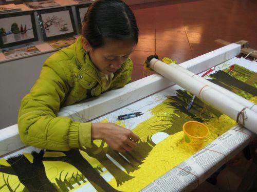 weaving woman vietnam