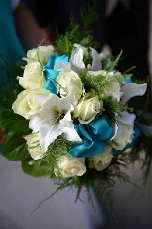 wedding flowers bride