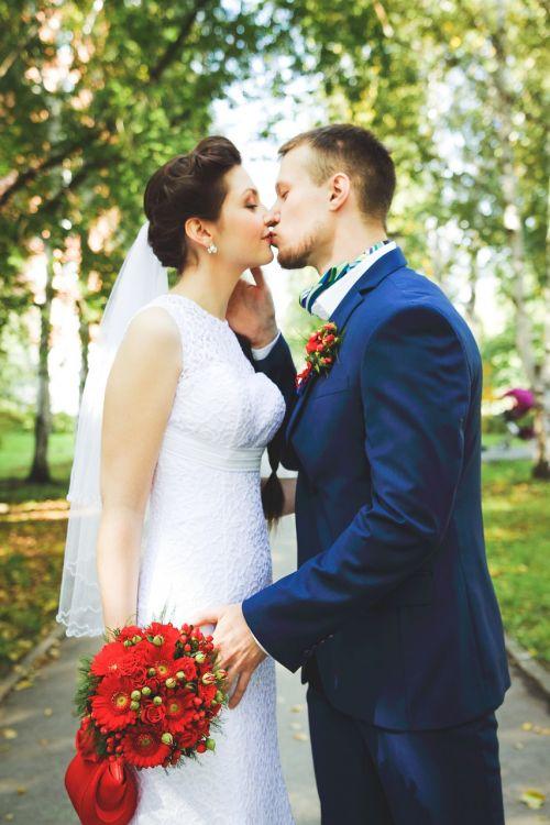 wedding just married sweethearts