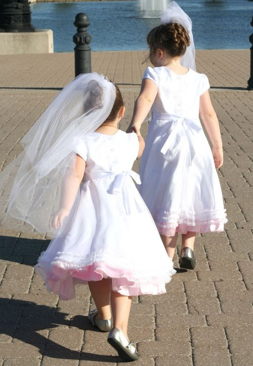 wedding sister white