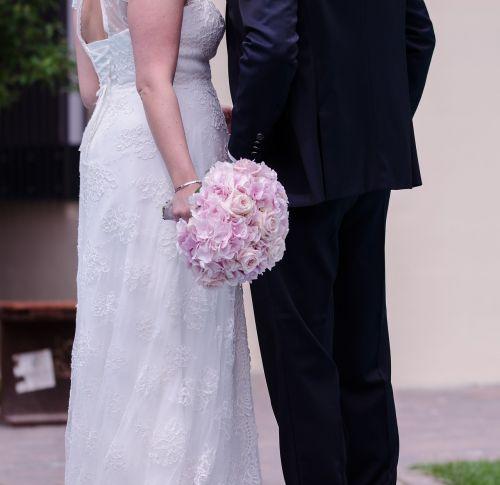 Vestuvės,vestuvių puokštė,puokštė,rožės,gėlės,tuoktis,vestuvių puokštė,santuoka,simbolis,išaugo žydėti,meilė,šventė,nuotaka ir jaunikis,vasara,raudona,strausas,romantika,sveikinu,simbolika,kartu,romantiškas,būti kartu,tradicija,rožių puokštė,spalvinga,pasveikinti,sėkmė,floristika,spalva,susijęs,natiurmortas,pasveikinimas,gėlių puokštė,floristas,gėlių sveikinimas,rožinis,vestuvių dieną,apdaila,gražus,festivalis,dviems,šventė,mėgėjai,pora,bendravimas,pora,lojalumas,jausmai,harmonija,santykiai,ryšys,svajonė,laimingas,atmosfera,emociškai,fantastinis