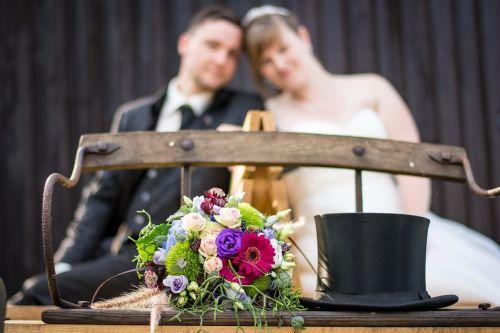 wedding cylinder bride and groom