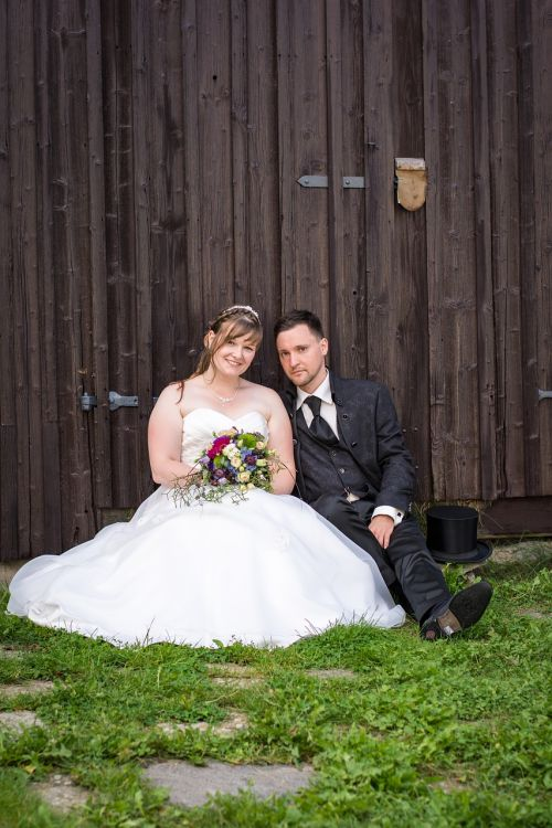 wedding bride and groom love
