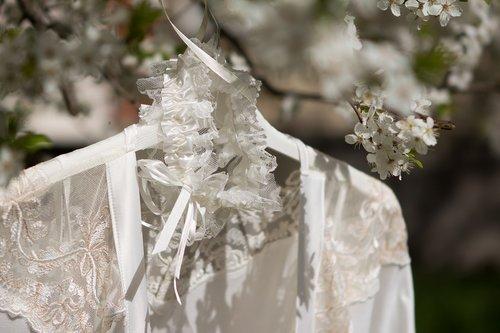 wedding  bride's morning  garter