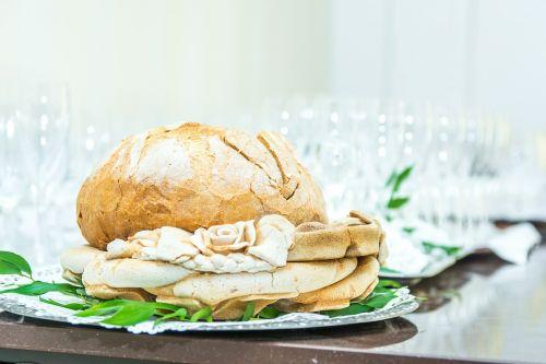wedding bread wine glasses
