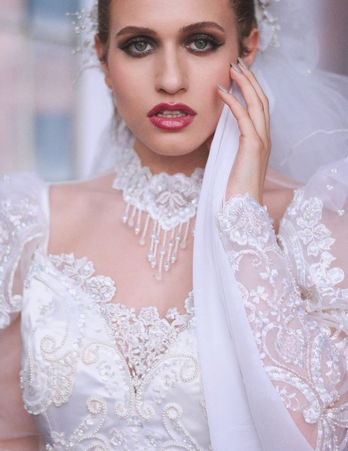 wedding  dress  makeup