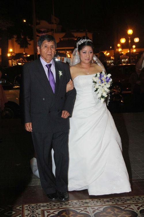 wedding grooms marry