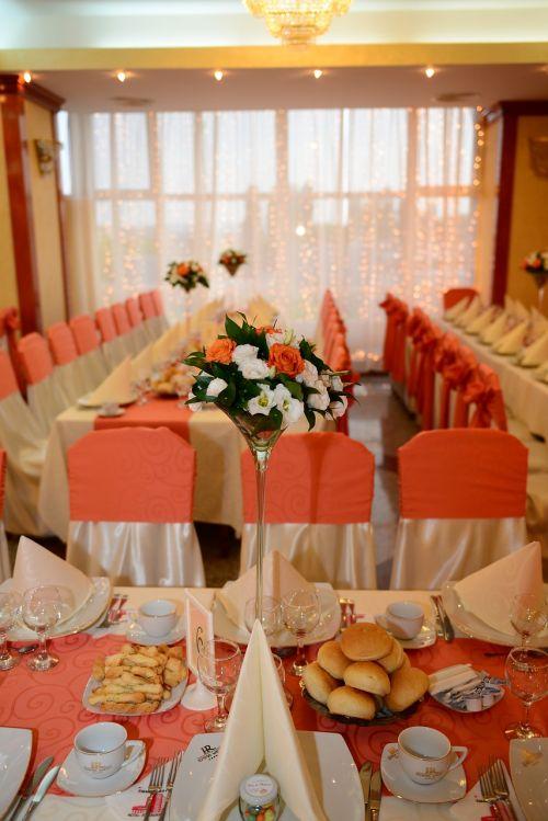 wedding arrangements flowers hall