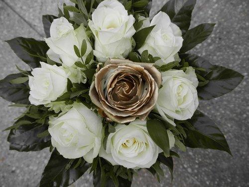 wedding bouquet  golden weddings  50 years