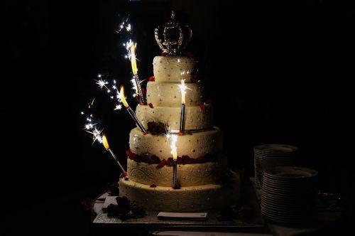 wedding cake lights love