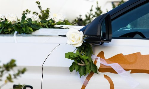 wedding car  auto  floral decorations