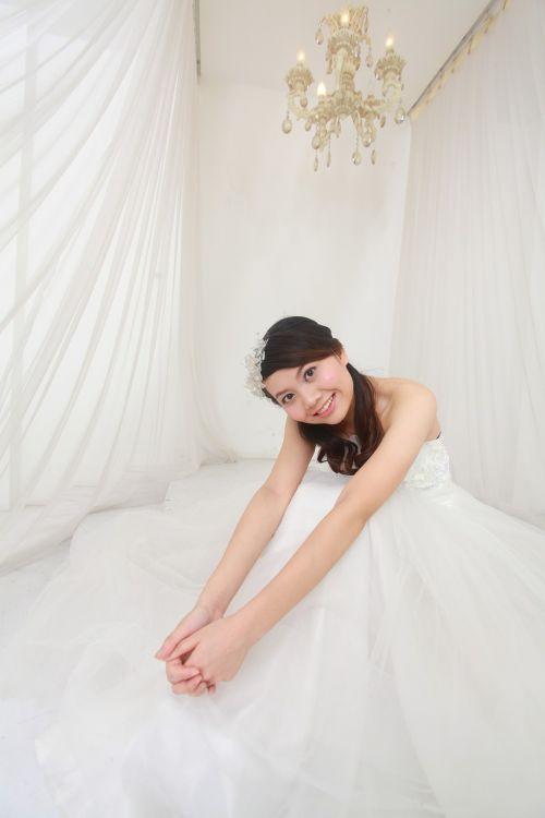 wedding dresses happy brilliant