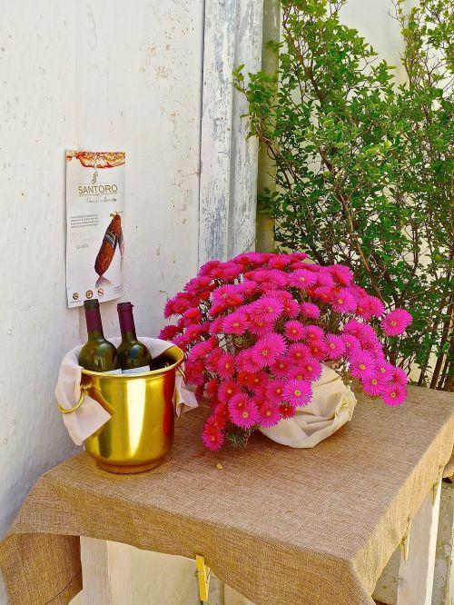 welcome flowers wine