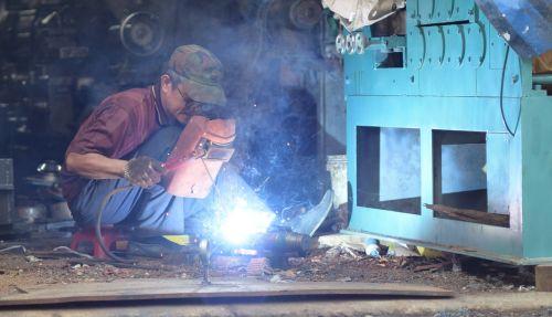 welding firework worker