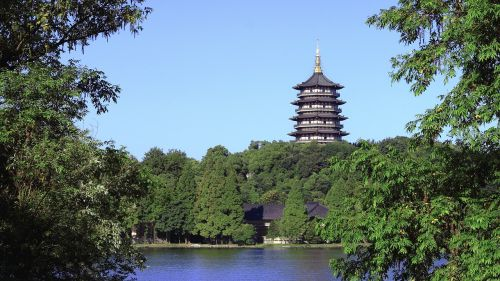 vakarinis ezeras vasarą,pagoda,Hangzhou pagoda,leifeng pagoda