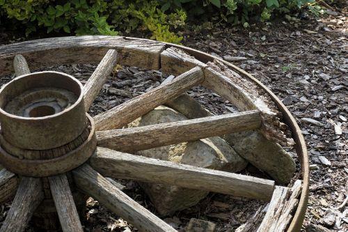 wheel wooden wheel old