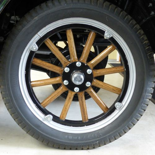 wheel mature ford