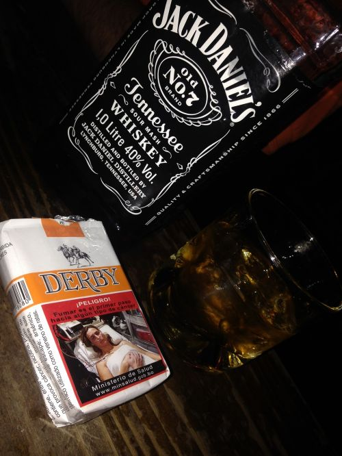 whiskey cigars drink