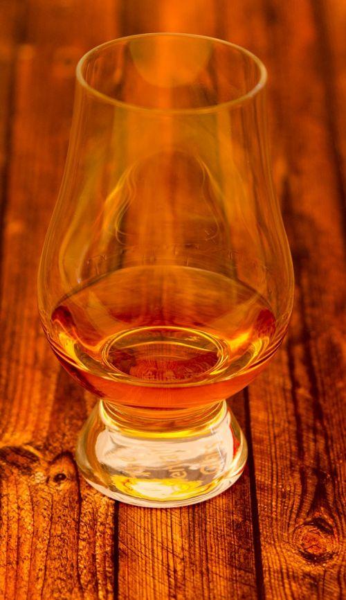 whiskey glass glencairn glass a snifter