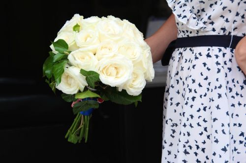 white,roses,bouquet,wedding,blossom,bloom,flower,nature,white roses,black and white,white rose,way of the roses