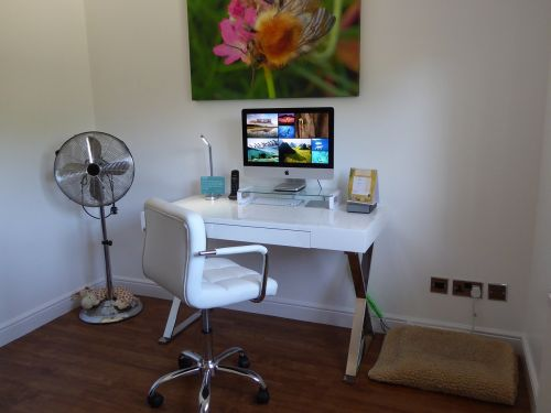 desk white office