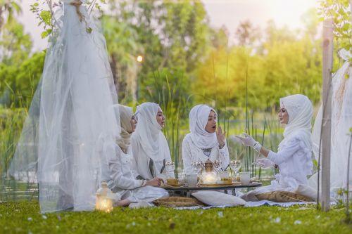 white tableware photographer