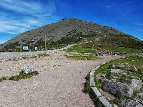 white mountains hiking trail
