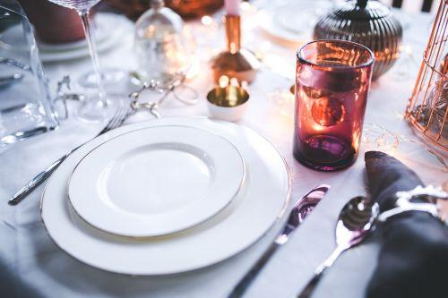 white tableware christmas