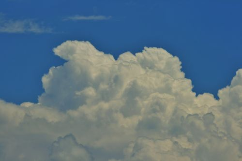 White Cloud With Tilting Tip