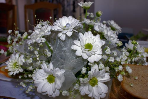 white flowers bouquet flowers theme