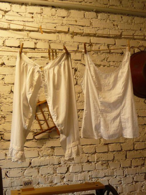 white linen farm museum love killer