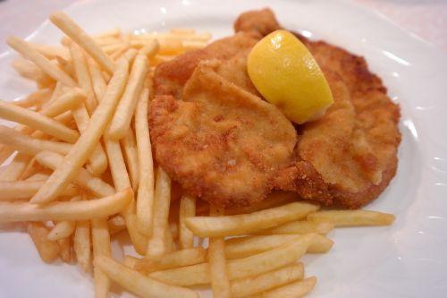 wiener schnitzel schnitzel dinner