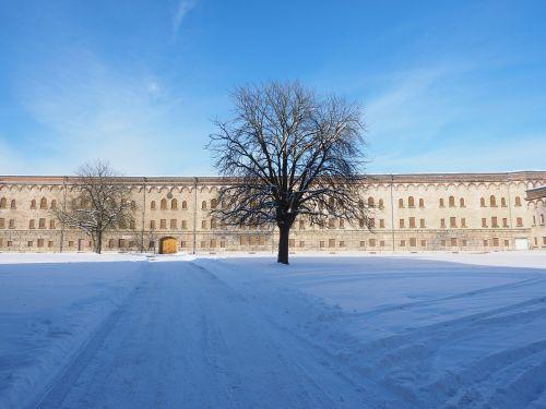 wilhelmsburg castle courtyard
