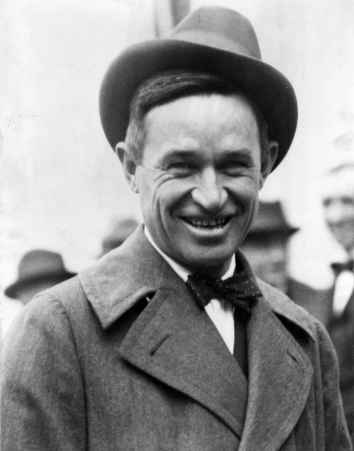 will rogers,humorist,actor,cowboy,vaudeville performer,social commentator,celebrity,20's,30's,films,motion pictures,movies,cinema,oklahoma,vintage,oldie,entertainment,stage