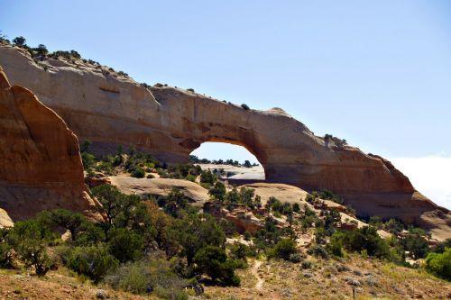 wilson arch monument valley