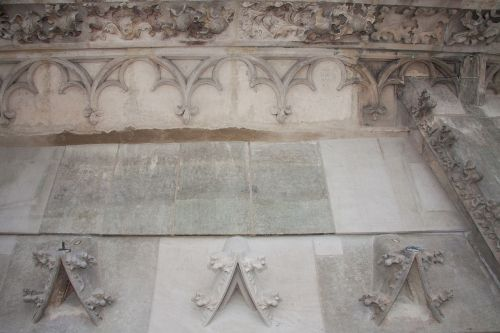 wimperg panel tracery leaf frieze