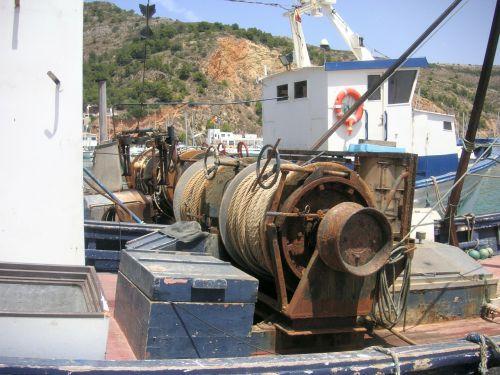 winch gear fishing mechanics