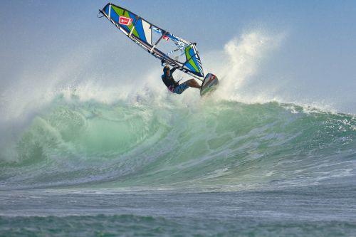 wind surfing wave splash
