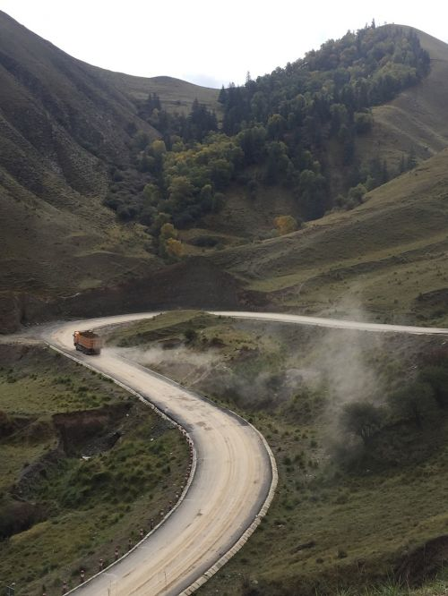 winding road qinghai the scenery