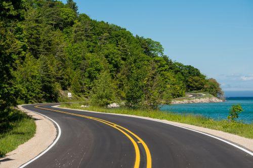 winding road road scenery