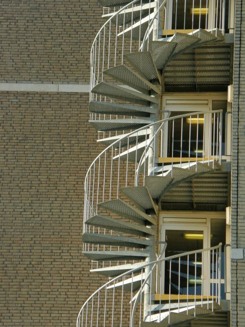 winding staircase trap dordrecht
