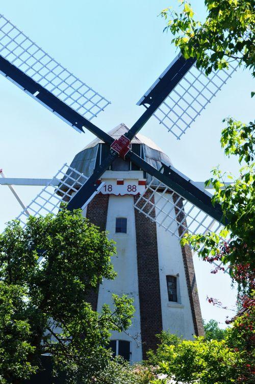 windmill pinwheel mill