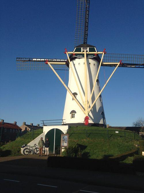 vėjo malūnas,holland,olandų,Nyderlandai,tradicinis,malūnas,vėjas,kelionė,kaimas,kraštovaizdis,senas,architektūra,kaimas,gamta,istorinis,žalias,kaimas,Amsterdamas,Šalis,turizmas,Europa,pavasaris,europietis,ūkis,kultūra