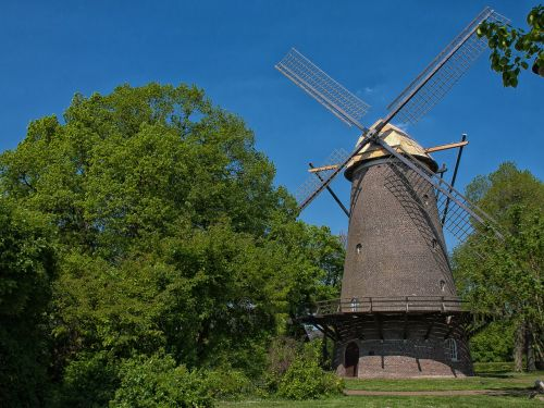 windmill building historically