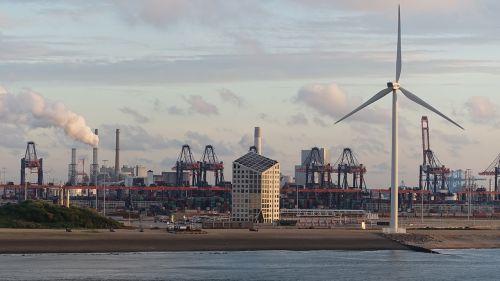 windmills crane port